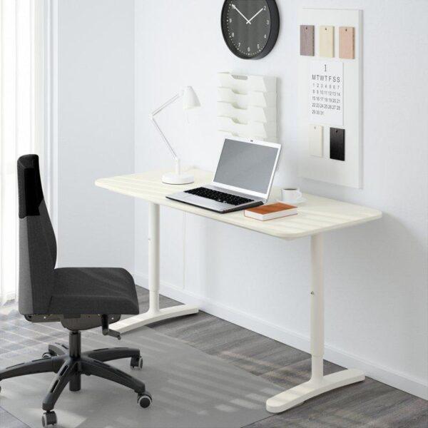 БЕКАНТ Письменный стол белый 140x60 см - Артикул: 092.785.26