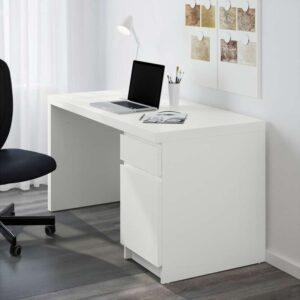 МАЛЬМ Письменный стол белый 140x65 см - Артикул: 303.848.60