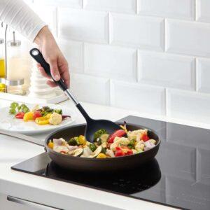 ИКЕА 365+ ЙЭЛТЕ Лопаточка для вока-сковороды нержавеющ сталь/черный - Артикул: 103.745.79