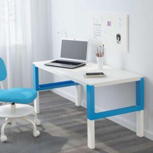 ПОЛЬ Письменный стол белый/синий 128x58 см - Артикул: 392.512.57