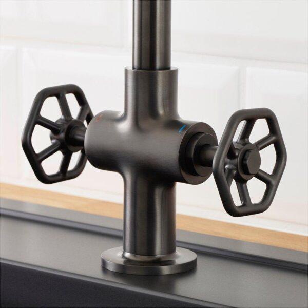 ГАМЛЕШЁН Смеситель кухонный с 2 вентилями черный металл - Артикул: 003.696.82