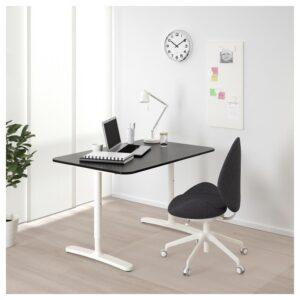 БЕКАНТ Письменный стол ясеневый шпон/черная морилка/белый 120x80 см - Артикул: 492.825.88