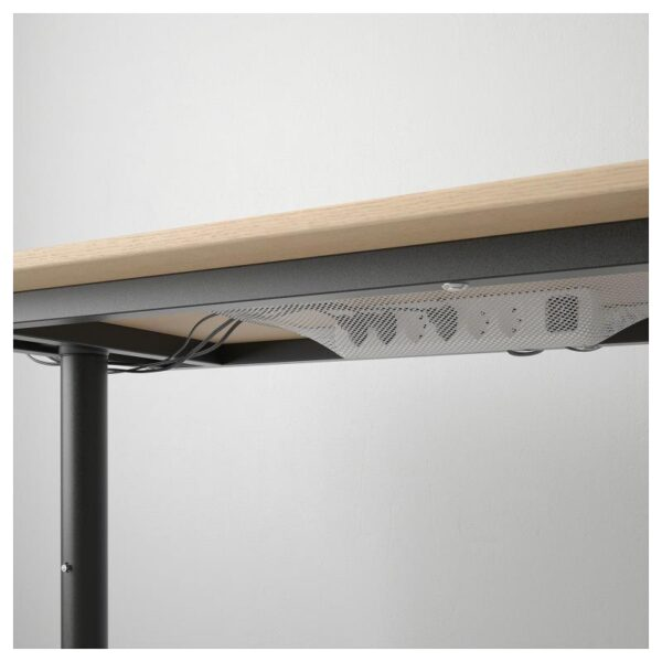 БЕКАНТ Письменный стол дубовый шпон, беленый/черный 140x60 см - Артикул: 392.826.40