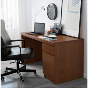 МАЛЬМ Письменный стол коричневая морилка ясеневый шпон 140x65 см - Артикул: 703.848.58