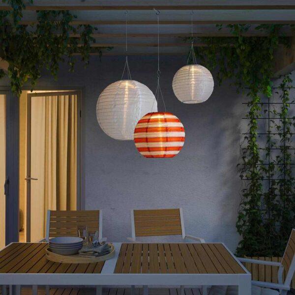 СОЛВИДЕН Подвесная светодиодная лампа, для сада шаровидный, в полоску разноцветный, 30 см - 904.516.77