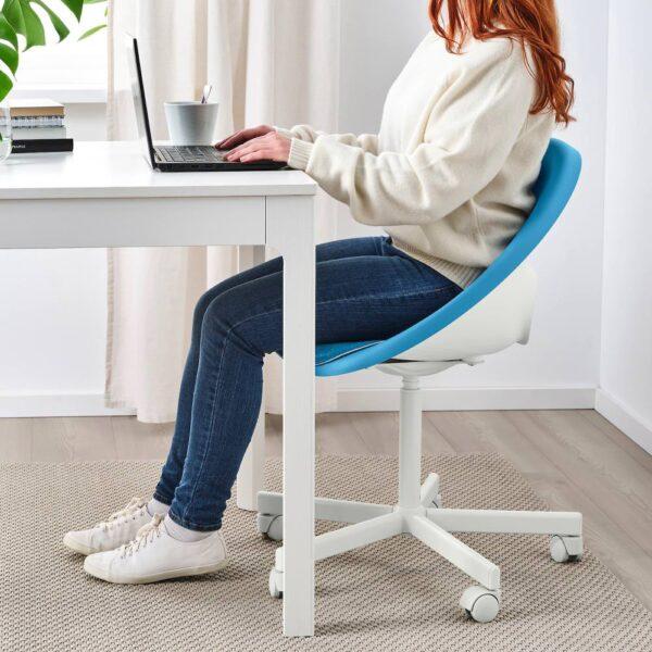 ЭЛДБЕРГЕТ / БЛИСКЭР Рабочее кресло c подушкой, синий/белый - 093.318.97