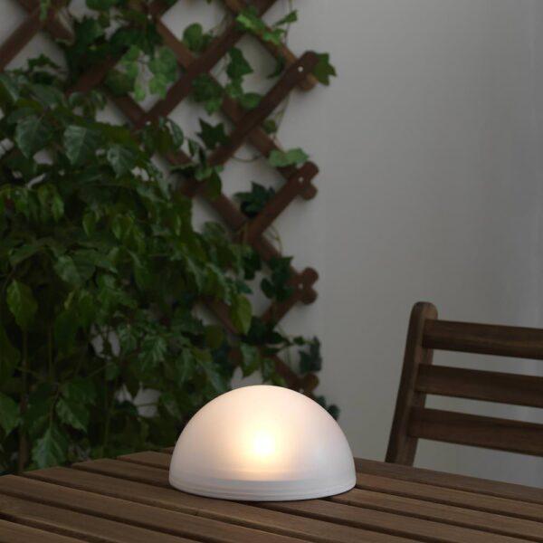 СОЛВИДЕН Светильник на солнечной батарее, для сада/полусфера белый - 704.845.51